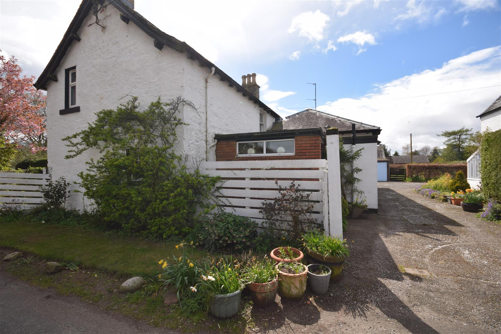 Robins Mead, Woodlands Road, Blairgowrie, Perthshire, PH10 6JX, UK
